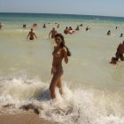 image girls-on-the-beach-postyourgfs(dot).com73.jpg
