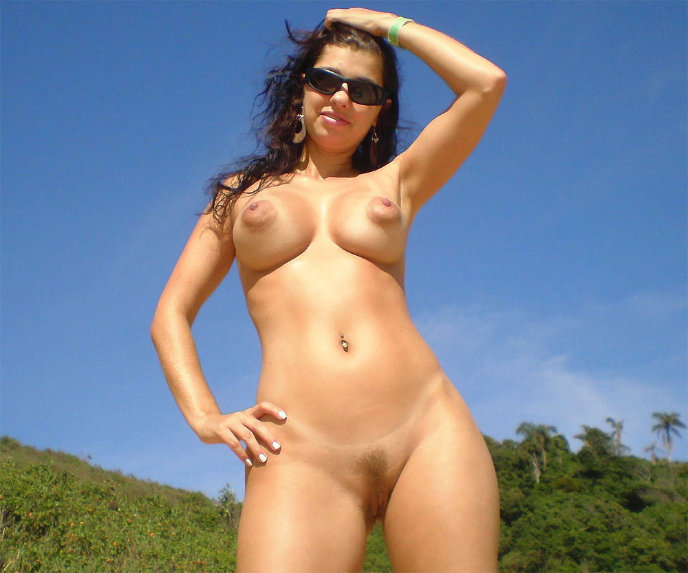Hot Brazilian Teen Getting Sun Bath And Showing Pussy
